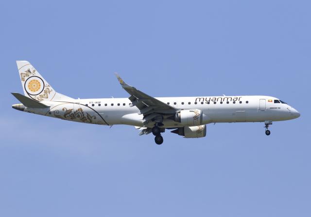 ミャンマー・ナショナル・エアウェイズ Embraer ERJ-190 XY-AGP スワンナプーム国際空港  航空フォト | by RA-86141さん