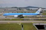Koba UNITED®さんが、クアラルンプール国際空港で撮影したKLMオランダ航空 777-306/ERの航空フォト(写真)