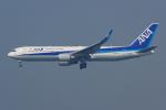 PASSENGERさんが、香港国際空港で撮影した全日空 767-381/ERの航空フォト(写真)