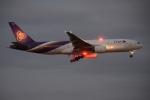 木人さんが、成田国際空港で撮影したタイ国際航空 777-2D7の航空フォト(写真)