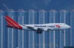 いもや太郎さんが、香港国際空港で撮影したマーティンエアー 747-412(BCF)の航空フォト(写真)