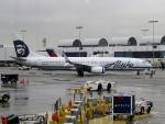 さとうさんが、ロサンゼルス国際空港で撮影したアラスカ航空 737-990/ERの航空フォト(写真)