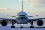 ペア ドゥさんが、新千歳空港で撮影したキャセイパシフィック航空 777-367の航空フォト(写真)