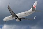 けーし135Rさんが、小松空港で撮影した日本航空 737-846の航空フォト(写真)