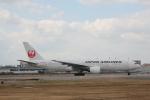 さちやちさんが、福岡空港で撮影した日本航空 777-246の航空フォト(写真)