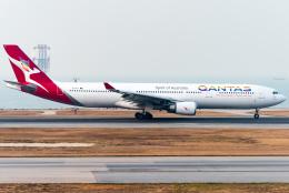 pinamaさんが、香港国際空港で撮影したカンタス航空 A330-303の航空フォト(写真)