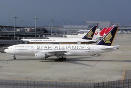 たぁさんが、関西国際空港で撮影したシンガポール航空 777-212/ERの航空フォト(写真)