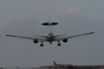ぷぅぷぅまるさんが、那覇空港で撮影した航空自衛隊 E-767 (767-27C/ER)の航空フォト(写真)