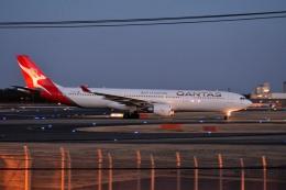 さくらの城南山。さんが、成田国際空港で撮影したカンタス航空 A330-303の航空フォト(写真)