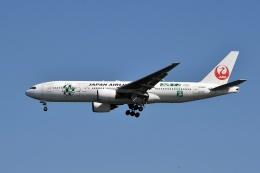 sonnyさんが、羽田空港で撮影した日本航空 777-246の航空フォト(写真)