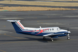 Gambardierさんが、岡南飛行場で撮影した川崎重工業 B200 Super King Airの航空フォト(写真)