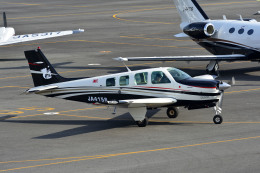 Gambardierさんが、岡南飛行場で撮影した個人所有 A36 Bonanza 36の航空フォト(写真)