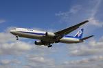 こだしさんが、伊丹空港で撮影した全日空 767-381の航空フォト(写真)