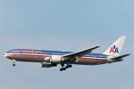 菊池 正人さんが、ロサンゼルス国際空港で撮影したアメリカン航空 767-323/ERの航空フォト(写真)