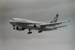うすさんが、伊丹空港で撮影した全日空 767-281の航空フォト(写真)