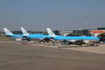 りんたろうさんが、アムステルダム・スキポール国際空港で撮影したKLMオランダ航空 A330-303の航空フォト(写真)