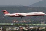 たみぃさんが、台北松山空港で撮影した遠東航空 MD-82 (DC-9-82)の航空フォト(写真)