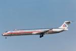 菊池 正人さんが、ロサンゼルス国際空港で撮影したアメリカン航空 MD-82 (DC-9-82)の航空フォト(写真)