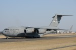 B747‐400さんが、横田基地で撮影したアメリカ空軍 C-17A Globemaster IIIの航空フォト(写真)