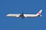 mild lifeさんが、伊丹空港で撮影した日本航空 777-346/ERの航空フォト(写真)