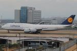 じゃがさんが、羽田空港で撮影したルフトハンザドイツ航空 747-830の航空フォト(写真)