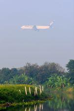 まいけるさんが、スワンナプーム国際空港で撮影した全日空 767-381/ER(BCF)の航空フォト(写真)