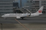 じゃがさんが、羽田空港で撮影した日本航空 737-846の航空フォト(写真)