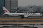 じゃがさんが、羽田空港で撮影した日本航空 767-346の航空フォト(写真)