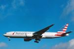 菊池 正人さんが、ロンドン・ヒースロー空港で撮影したアメリカン航空 777-223/ERの航空フォト(写真)