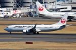 ばっきーさんが、羽田空港で撮影した日本航空 737-846の航空フォト(写真)