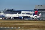 ポン太さんが、成田国際空港で撮影したデルタ航空 757-251の航空フォト(写真)