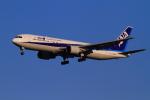 武彩航空公司(むさいえあ)さんが、羽田空港で撮影した全日空 767-381の航空フォト(写真)