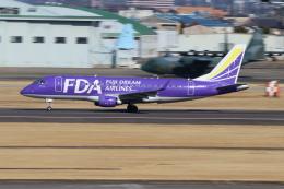 maru8さんが、名古屋飛行場で撮影したフジドリームエアラインズ ERJ-170-200 (ERJ-175STD)の航空フォト(写真)
