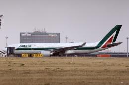 スポット110さんが、羽田空港で撮影したアリタリア航空 A330-202の航空フォト(写真)