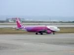 よんすけさんが、那覇空港で撮影したピーチ A320-214の航空フォト(写真)