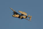 NFファンさんが、厚木飛行場で撮影したアメリカ海軍 E-2C Hawkeyeの航空フォト(写真)