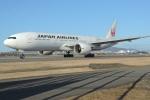 きつねさんが、伊丹空港で撮影した日本航空 777-246/ERの航空フォト(写真)