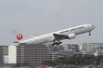 プルシアンブルーさんが、伊丹空港で撮影した日本航空 777-289の航空フォト(写真)