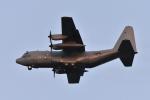 NFファンさんが、厚木飛行場で撮影したアメリカ海軍 C-130T Herculesの航空フォト(写真)
