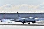 バーダーさんさんが、新千歳空港で撮影したオーロラ 737-548の航空フォト(写真)