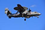 はるかのパパさんが、厚木飛行場で撮影したアメリカ海軍 E-2D Advanced Hawkeyeの航空フォト(写真)