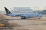 ガス屋のヨッシーさんが、関西国際空港で撮影したユナイテッド航空 777-222/ERの航空フォト(写真)