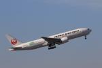 ゴハチさんが、伊丹空港で撮影した日本航空 777-246/ERの航空フォト(写真)
