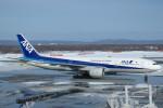 SFJ_capさんが、新千歳空港で撮影した全日空 777-281の航空フォト(写真)