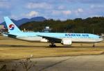 あしゅーさんが、福岡空港で撮影した大韓航空 777-2B5/ERの航空フォト(写真)