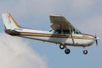 (`・ω・´)さんが、調布飛行場で撮影した朝日航空 172P Skyhawk IIの航空フォト(写真)