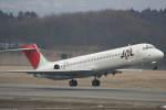 プルシアンブルーさんが、花巻空港で撮影した日本航空 MD-87 (DC-9-87)の航空フォト(写真)