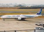 プルシアンブルーさんが、羽田空港で撮影した全日空 777-381の航空フォト(写真)