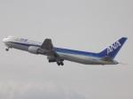 ゆう改めてさんが、福岡空港で撮影した全日空 767-381の航空フォト(写真)