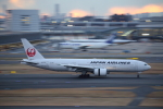 prado120さんが、羽田空港で撮影した日本航空 777-289の航空フォト(写真)